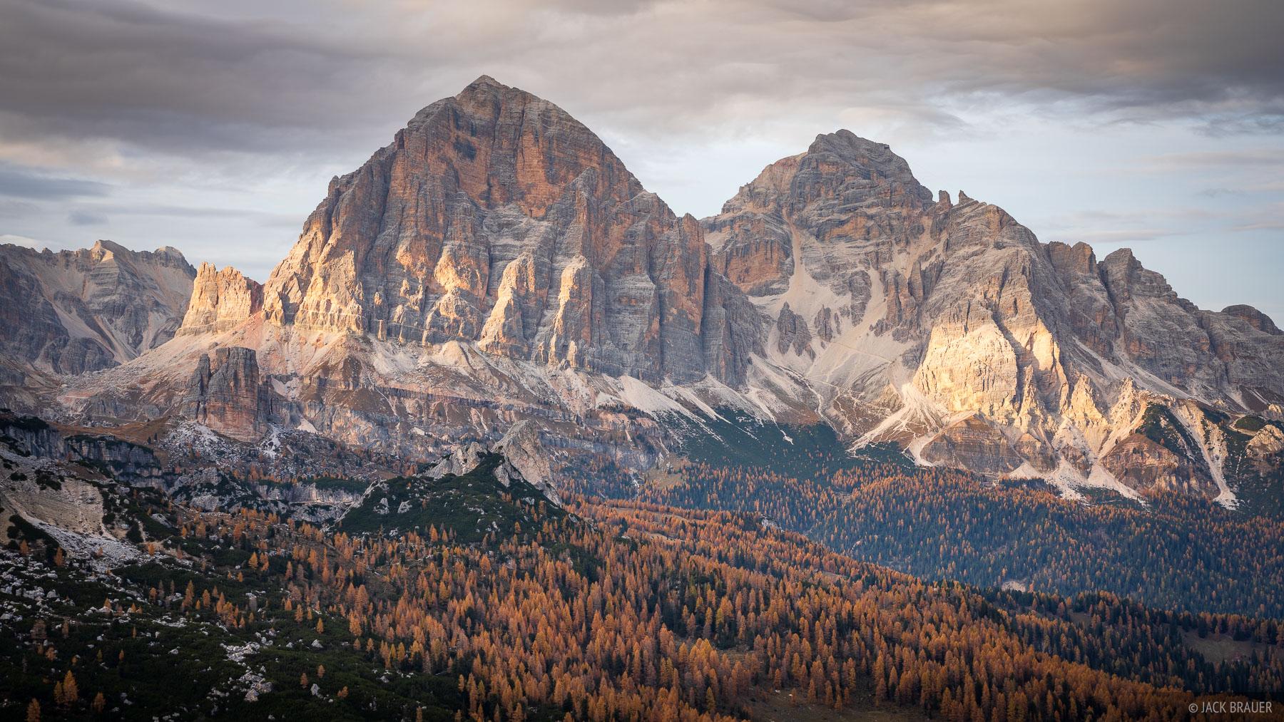 Dolomites, Italy, Passo Giau, Tofana de Rozes, larch, October, Alps, photo